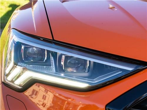 Audi Q3 2019 передняя фара