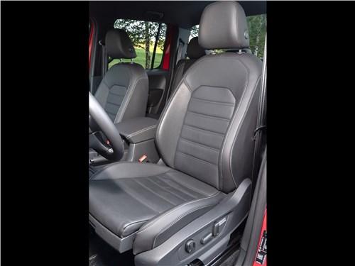 Volkswagen Amarok Aventura (2020) водительское кресло