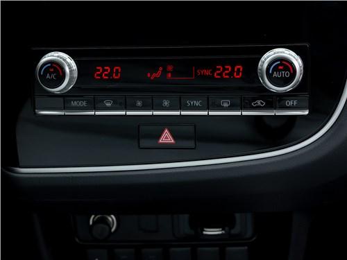 Mitsubishi Outlander 2021 управление климатом