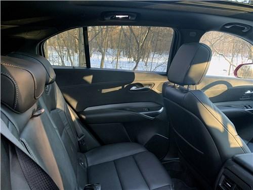 Cadillac XT4 2019 задний диван