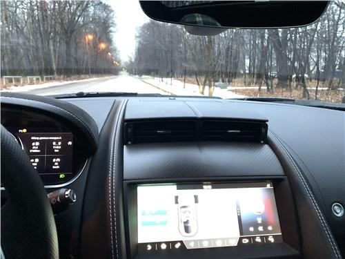 Jaguar F-Type 2021 салон