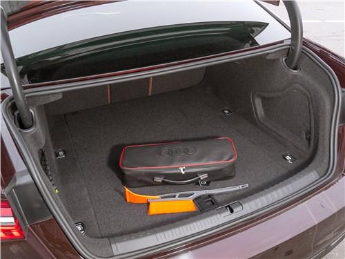 Audi A6 45 TDI (2020) багажное отделение