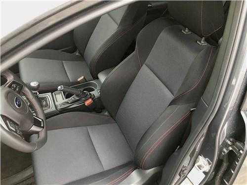 Subaru WRX Sport (2018) передние кресла