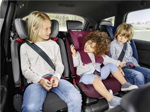 Инспекторы ГИБДД напомнили водителям про детские кресла