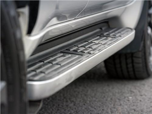 Toyota Land Cruiser Prado (2017) подножка