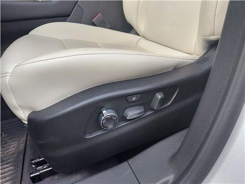 Cadillac XT4 (2019) кресло
