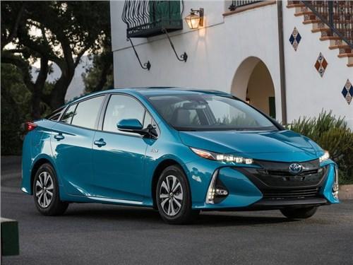 Toyota поможет владельцам «гибридов» оплачивать счета за электричество