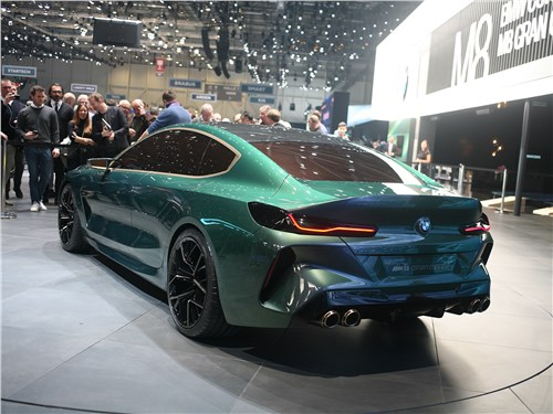 BMW M8 Gran Coupe Concept вид сзади