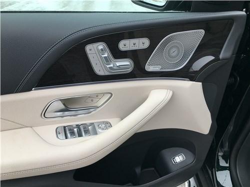 Mercedes-Benz GLS 2020 дверь