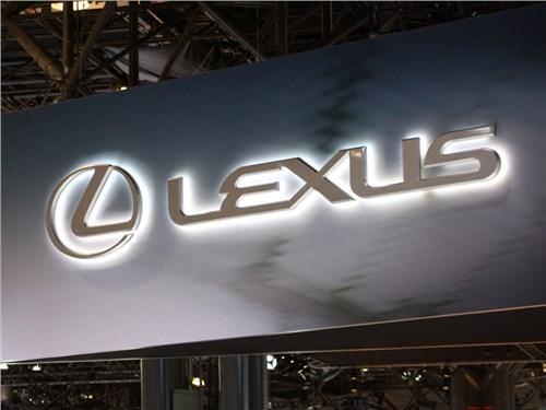 Lexus демонстрирует прирост продаж на российском рынке уже третий месяц подряд