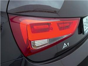 Audi A1 2011 задний фонарь