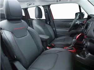 Jeep Renegade 2014 передние кресла