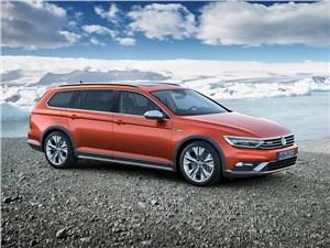 Volkswagen Passat Alltrack 2016 вид спереди сбоку