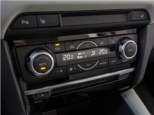 Mazda MX-5 2016 управление климатом