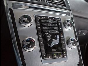 Volvo XC60 2014 центральная консоль
