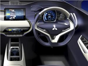 Предпросмотр mitsubushi ex concept 2015 водительское место