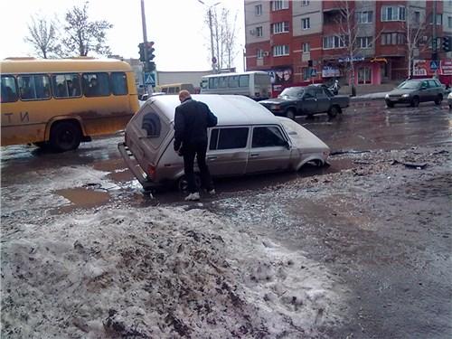 Московские власти уверены, что в обвалах грунта в столице виновата погода - автоновости