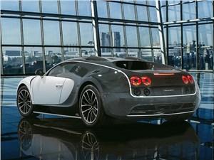 Mansory / Bugatti Veyron вид сзади