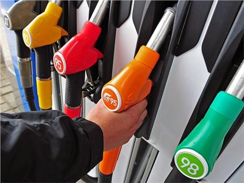 С 1 апреля в России 2-й раз за год выросли акцизы на бензин и дизель