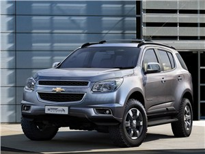 Новость про Chevrolet TrailBlazer - Chevrolet Trailblazer 2012 вид спереди