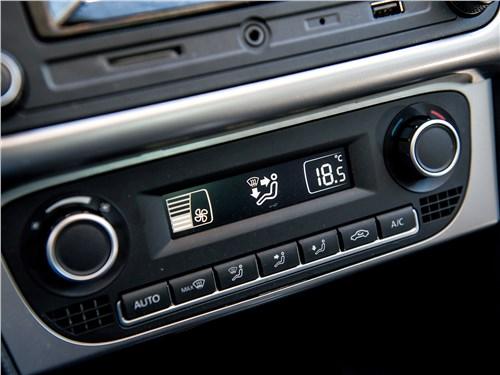 Volkswagen Polo Sedan 2016 управление климатом