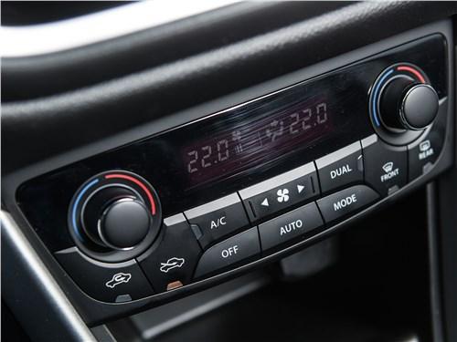 Suzuki SX4 2016 управление климатом