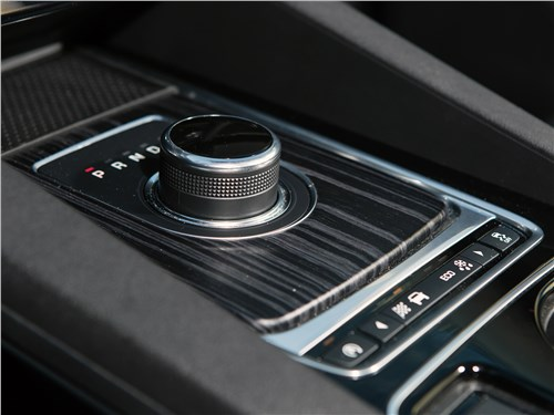 Jaguar F-Pace 2016 АКПП