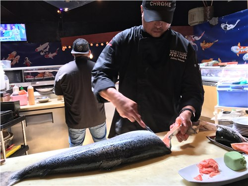 В кафе Лос-Анджелеса морепродукты – только что из океана