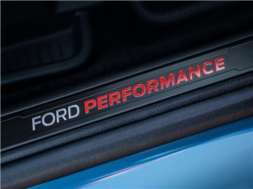 Предпросмотр ford edge st 2019 шильдик