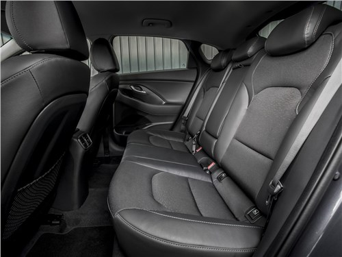Предпросмотр hyundai i30 fastback 2017 задний диван