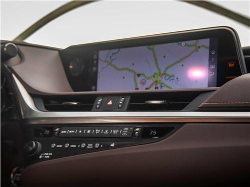 Lexus ES 2019 центральная консоль