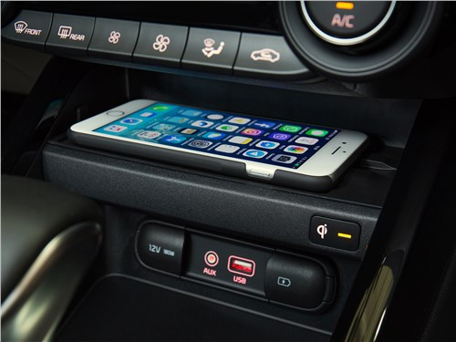 Kia Cerato 2019 зарядка для смартфона
