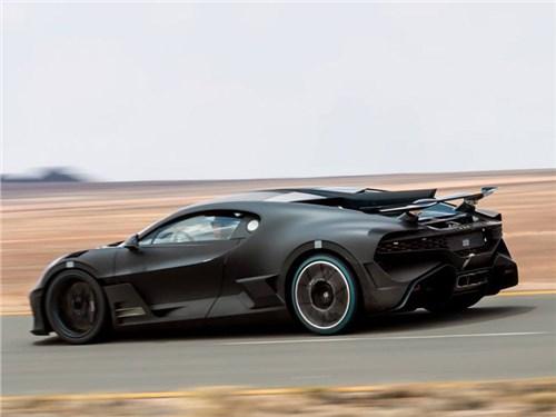 Bugatti экстремально испытывает гиперкар Divo