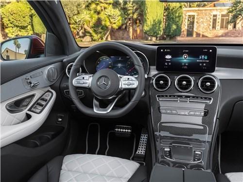 В поисках адреналина GLC Coupe - Mercedes-Benz GLC Coupe 2020 салон