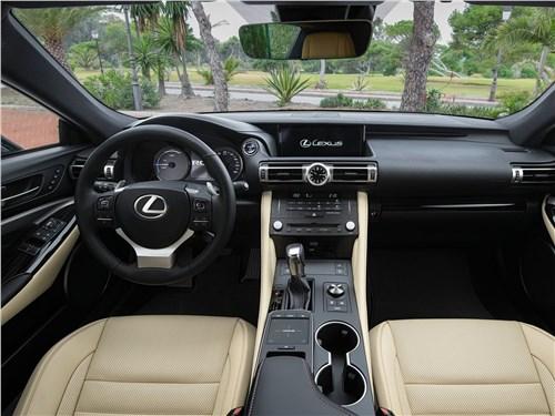 Lexus RC - Lexus RC 2019 салон