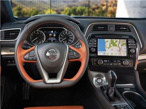 Nissan Maxima 2019 водительское место