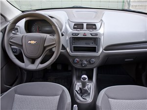 Chevrolet Cobalt 2013 водительское место