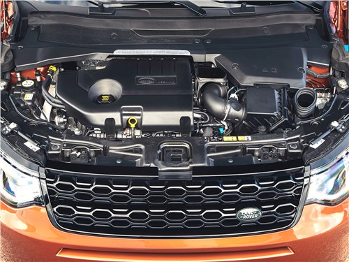 Land Rover Discovery Sport 2020 моторный отсек