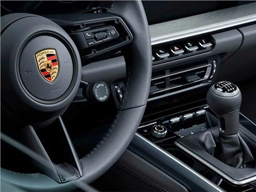 Новость про Porsche 911 Carrera 4S - Новый Porsche 911 получил механическую трансмиссию