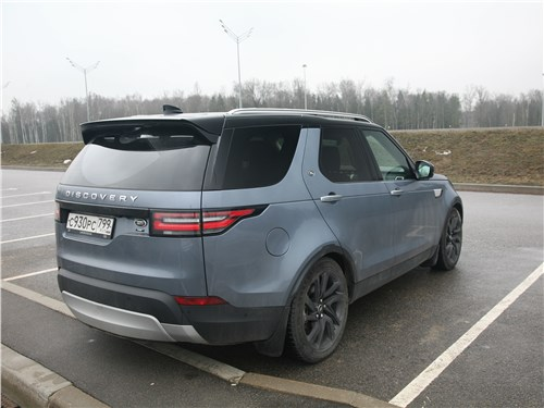 Land Rover Discovery 2017 вид сзади