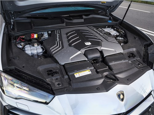 Lamborghini Urus 2019 моторный отсек