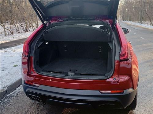 Cadillac XT4 2019 багажное отделение