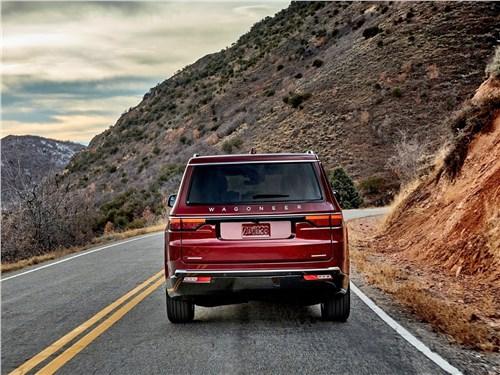 Предпросмотр jeep wagoneer (2022) вид сзади