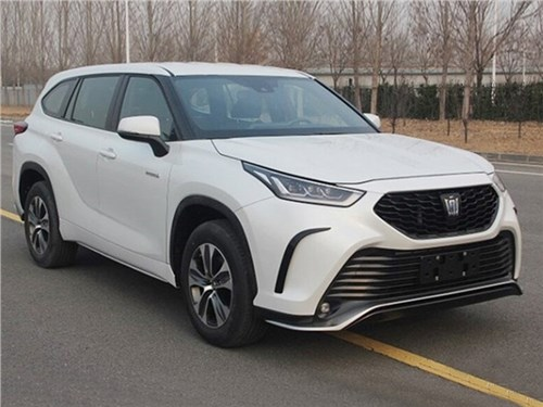 Toyota Crown станет кроссовером