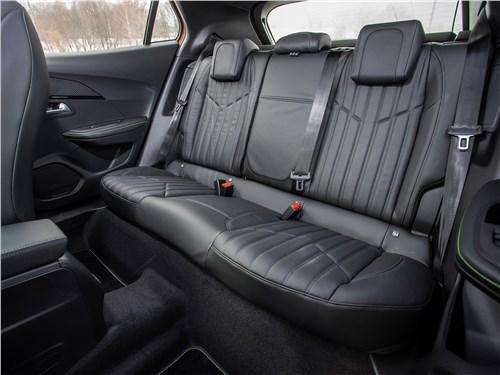 Peugeot 2008 (2020) второй ряд