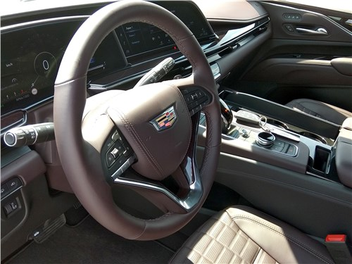 Cadillac Escalade (2021) салон