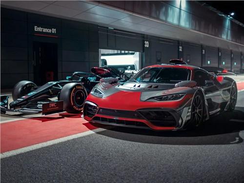 Новость про Mercedes-Benz - Дебют Mercedes AMG One опять откладывается