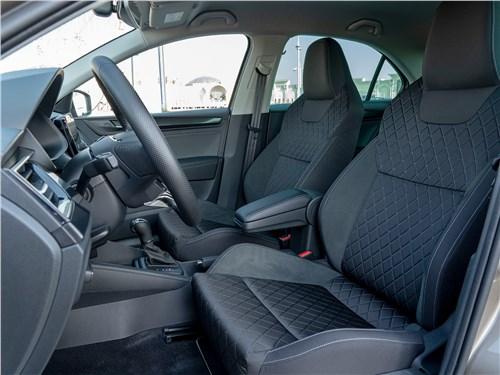 Skoda Rapid (2020) передние кресла