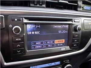 Toyota Auris 2013 магнитола