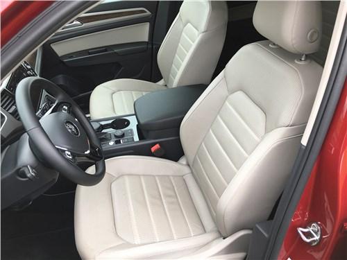 Volkswagen Teramont 2018 передние кресла